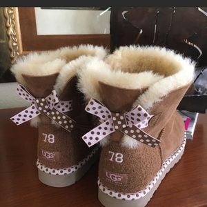 Rare! Like New UGG Australia Polka Dot Bailey $250